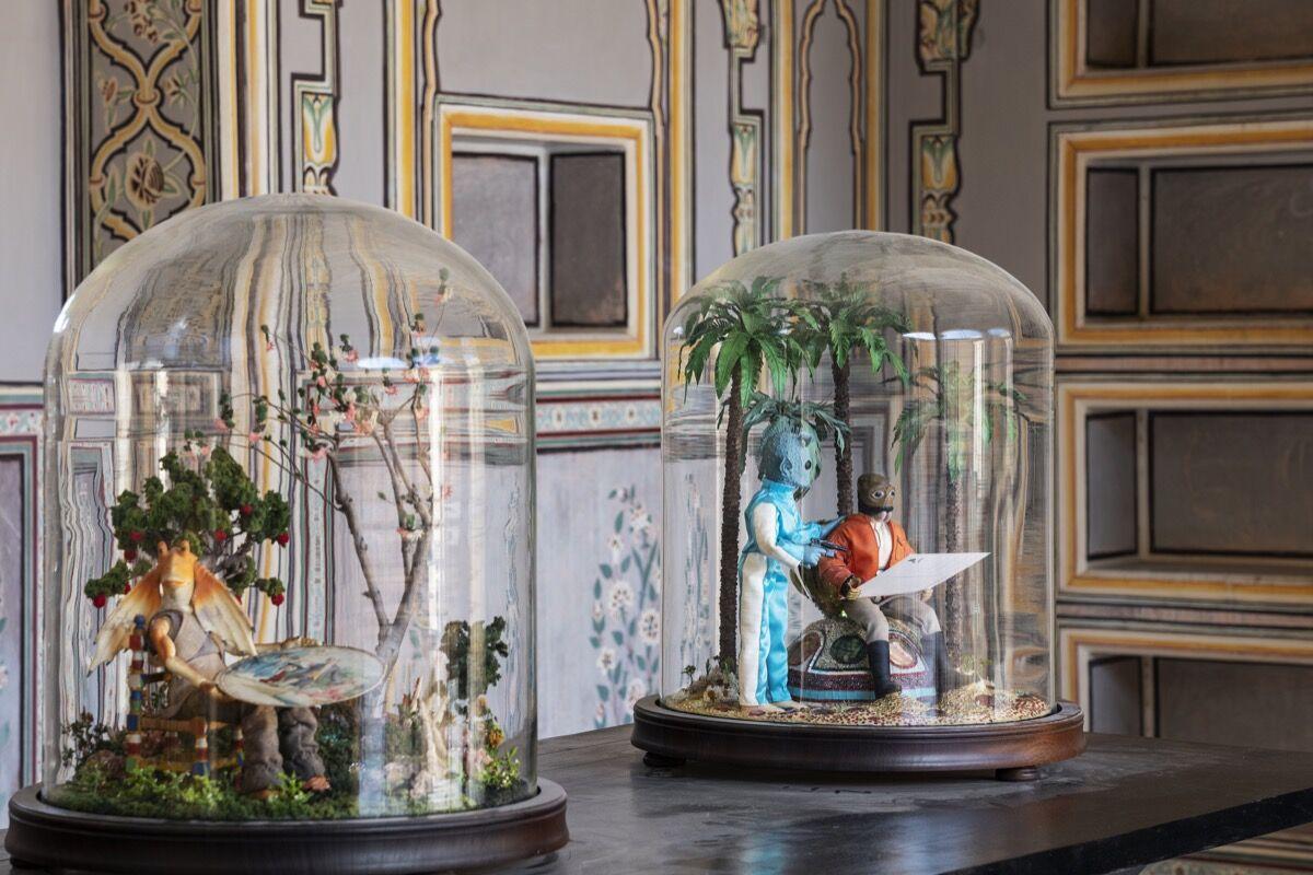 Sebastiano Mauri, Aliens, 2018. Cortesía de The Sculpture Park en Madhavendra Palace.al