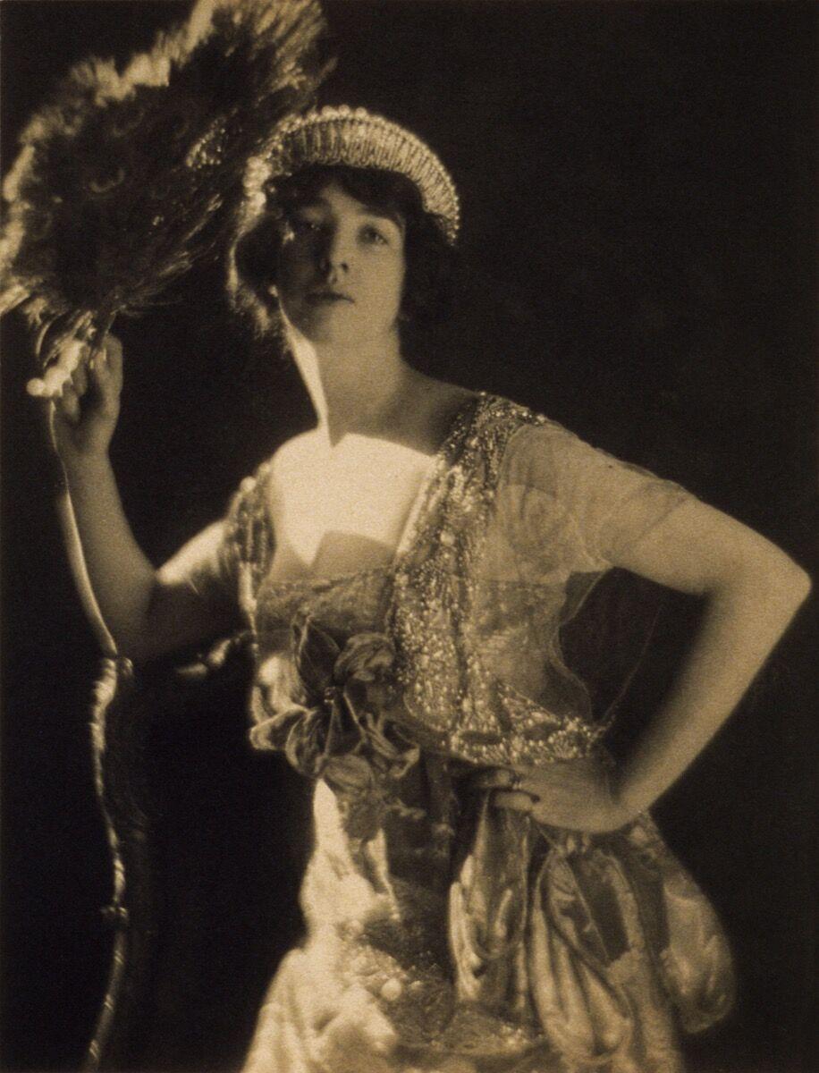 Portrait of Gertrude Vanderbilt Whitney, via Wikimedia Commons.