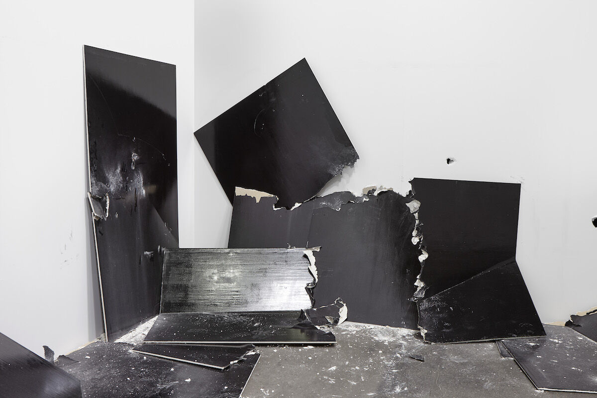 Steven Parrino,  13 Shattered Panels (for Joey Ramone) , 2001. © Steven Parrino. Photo by Sebastiano Pellion. Courtesy of the Parrino Family Estate and Gagosian.