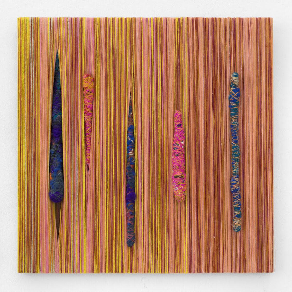 Sheila Hicks, Zihzabal, 2018, pigments, synthetic fibers, cotton, linen. Courtesy the artist and galerie frank elbaz.