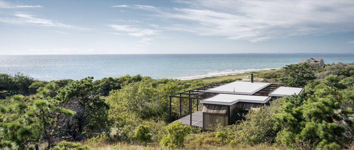 Photo of Hatch House courtesy of Raimund Koch.