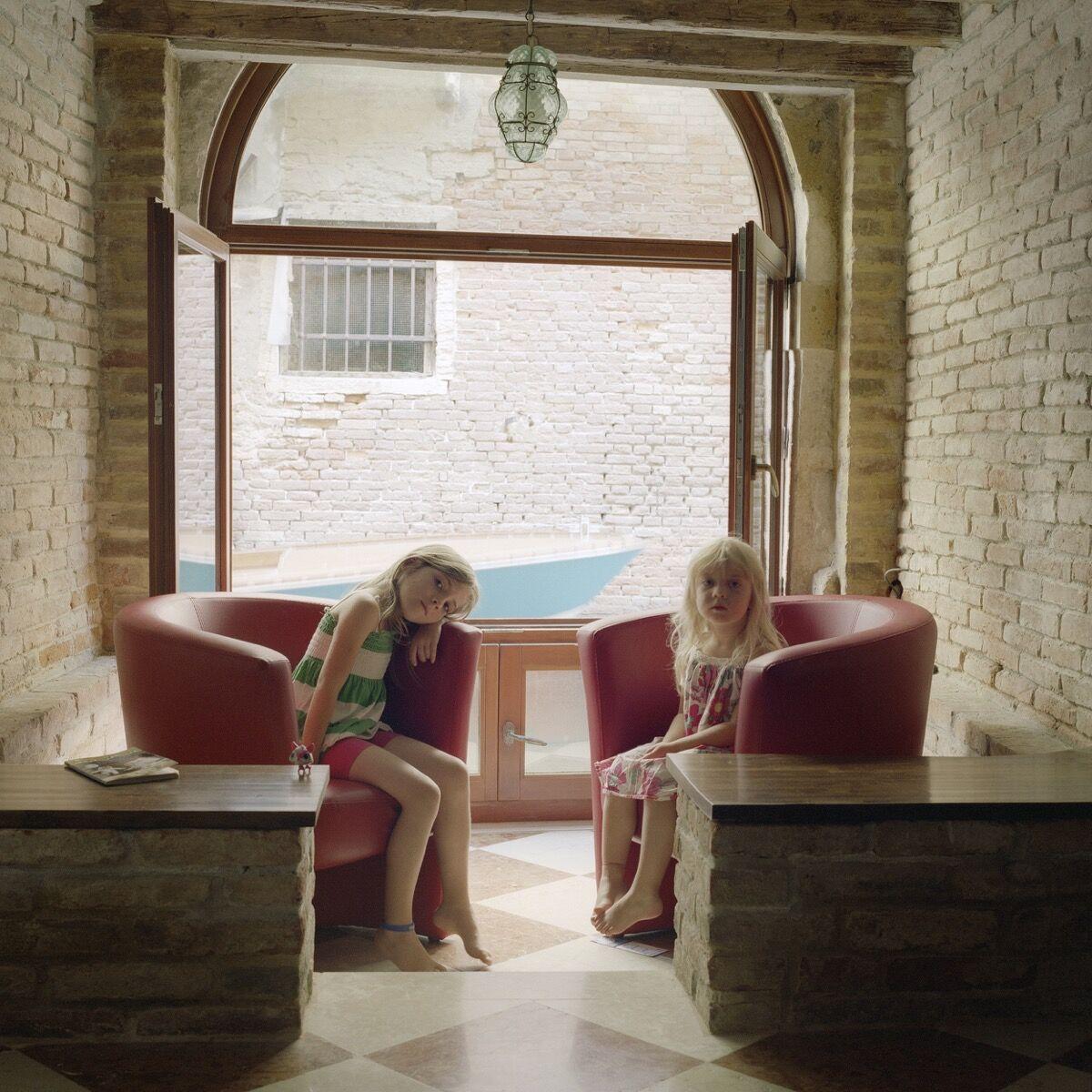 Tanja Hollander, Winona and Delila Wardwell, Venice, Italy, 2013. Courtesy of Tanja Hollander and MASS MoCA.