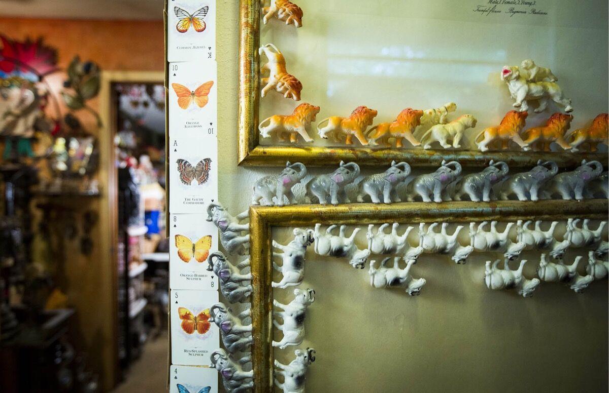 A detail from Sharon Smith's home. Photo by Thanin Viriyaki. Courtesy of Skyhorse Publishing.