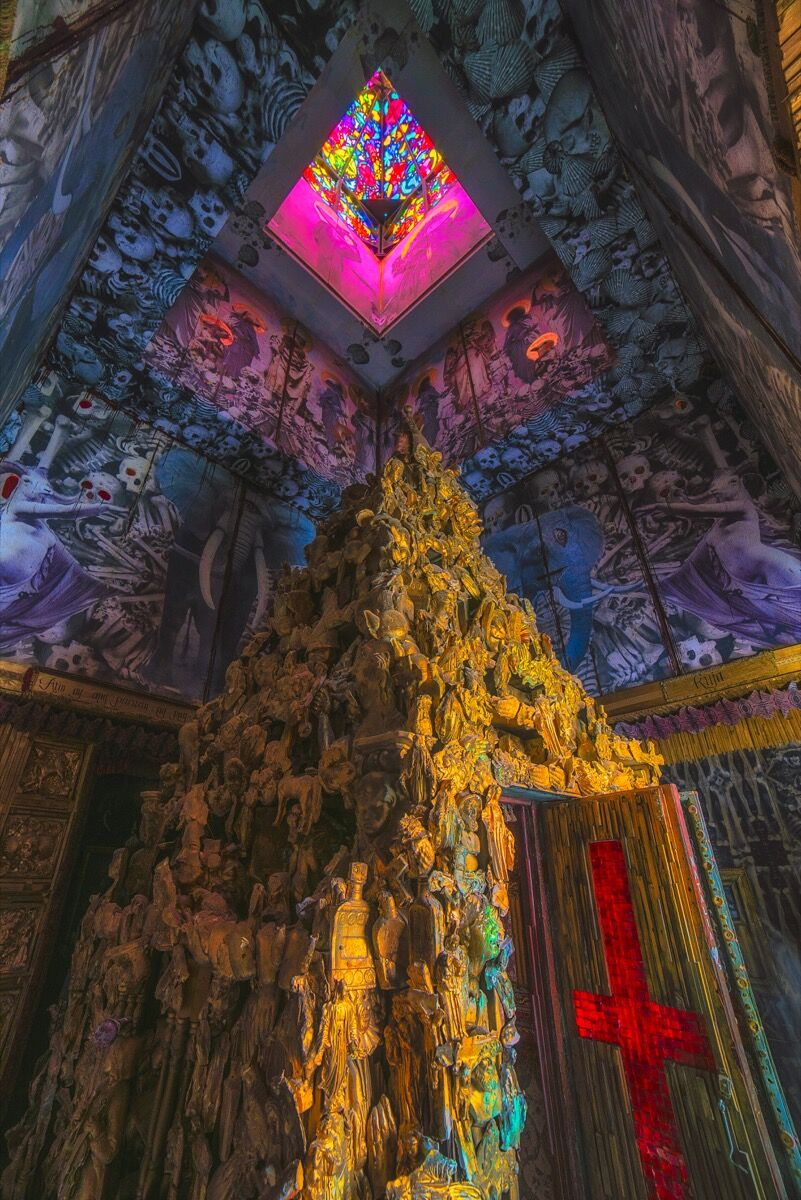 Michael Garlington and Natalia Bertotti, Totem of Confessions (interior detail), 2015. Photo by Michael Holden. © Michael Holden 2015.