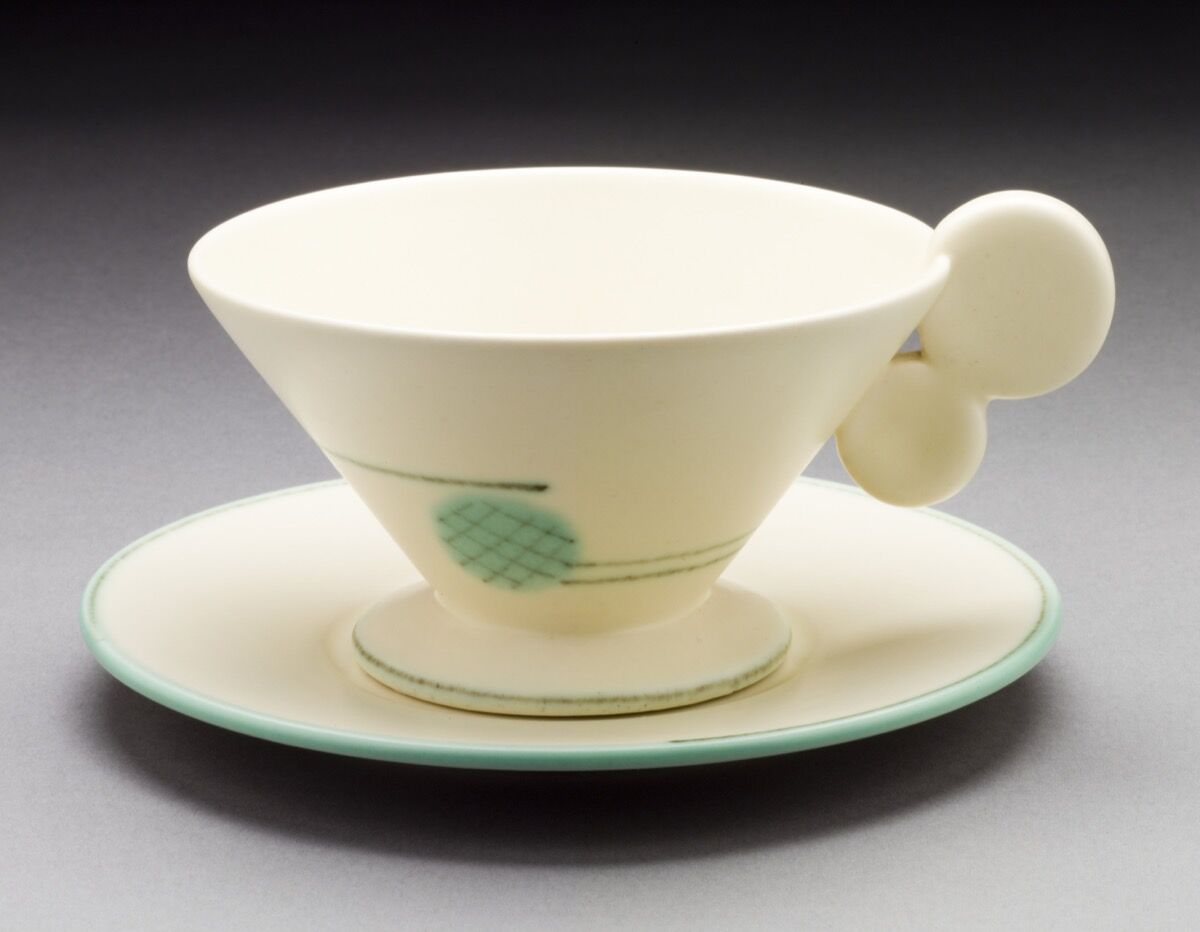 Margarete Heymann-Marks, Haël Werkstätten, Disk Handle Teacup and Saucer, 1930. Courtesy of The Ellen Palevsky Cup Collection, Gift of Max Palevsky. Courtesy of Los Angeles County Museum of Art.