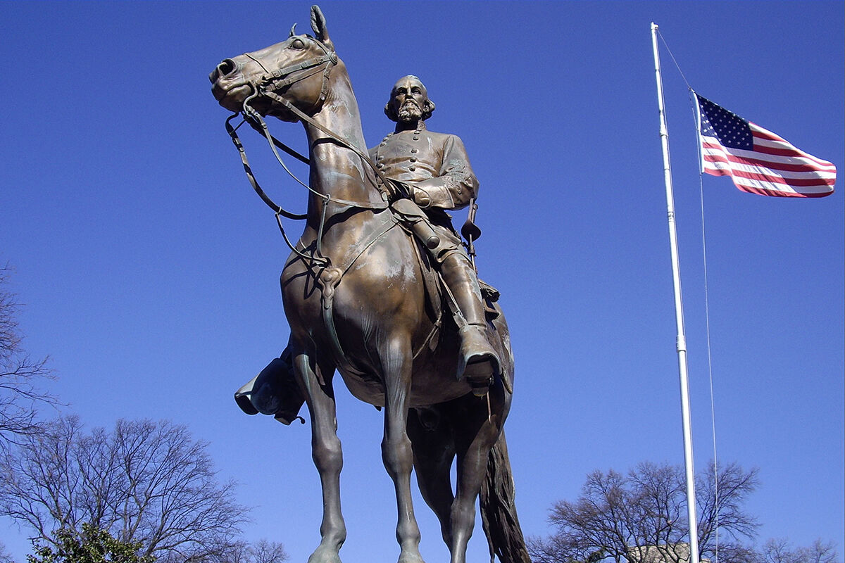 Nathan Bedford Forrest statue in Memphis, TN. Photo by Ron Cogswell, via Flickr.