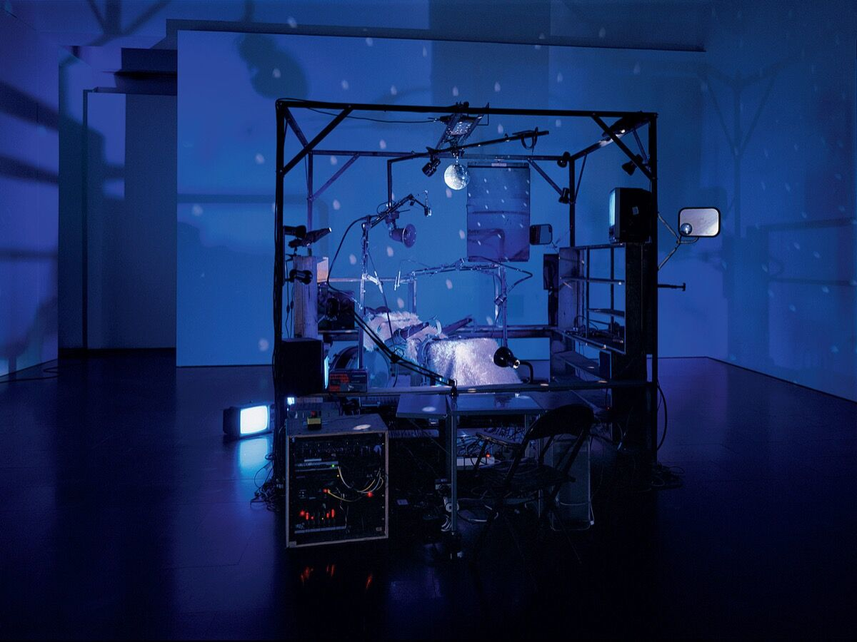Installation view of Janet Cardiff and George Bures Miller, The Killing Machine, 2007. Photo by Seber Ugarte & Lorena López. © 2019 Janet Cardiff and George Bures Miller. Courtesy of the artists and Luhring Augustine, New York.