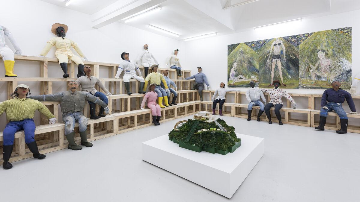 "Installation view of ""Flying Moths,"" Carlos/Ishikawa London. Courtesy of the artist, Carlos/Ishikawa London, Tommy Simoens Antwerp & ShanghART Shanghai."