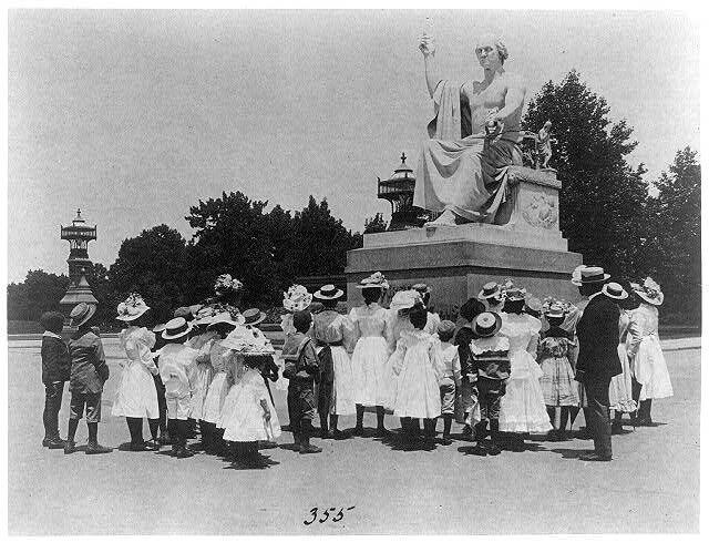 Schoolchildren visit Horatio Greenough's statue of George Washington. Image:Frances Benjamin Johnston, c. 1899, Library of Congress.