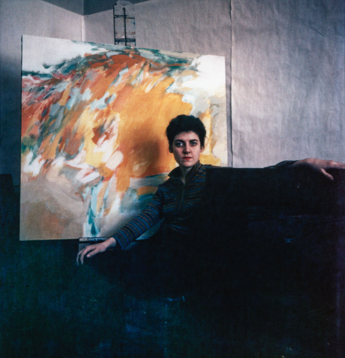 Sheila Hicks with painting at Yale Art School, 1958. Photo by Ernest Boyer.