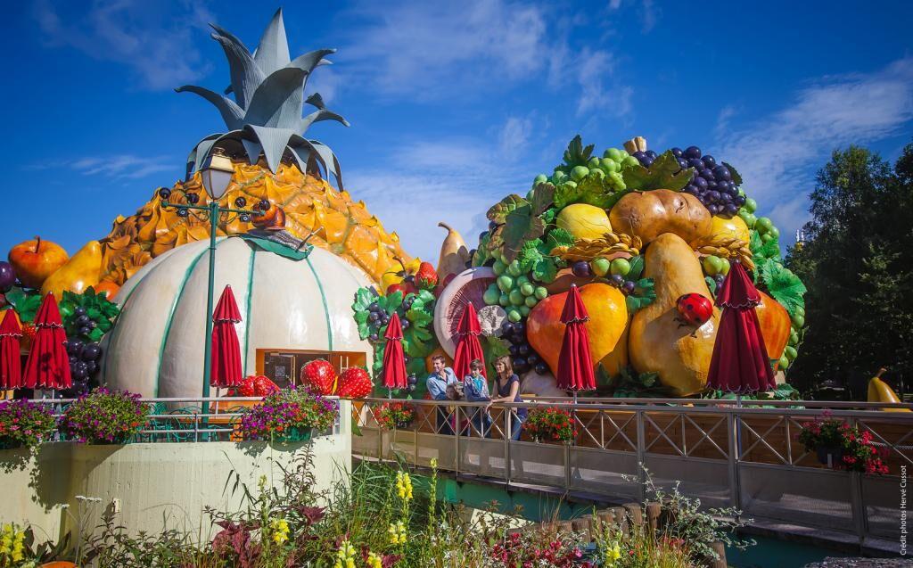 At the Parc Astérix amusement park outside Paris, Arcimboldo's work inspired this restaurant's fantastical facade. Image via Lacasamorett.com.