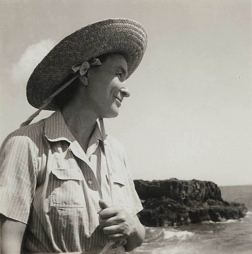 Harold Stein, Georgia O'Keeffe on Leho'ula Beach, near 'Aleamai, Hāna, Maui, 1939. Courtesy of the New York Botanical Garden.