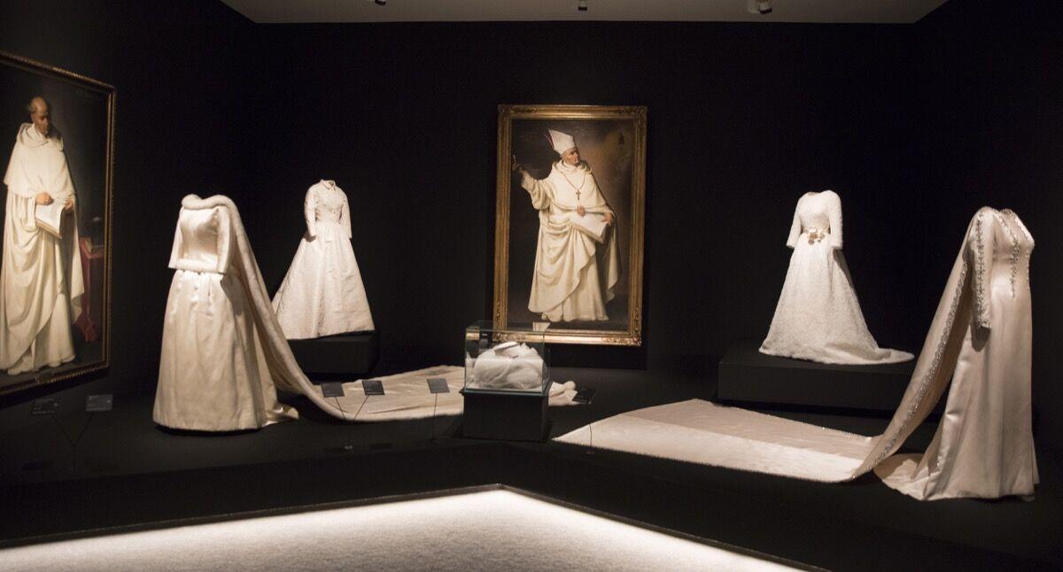 "Installation view of ""Balenciaga and Spanish Painting"" (""Balenciaga y la Pintura Espanola""), at the Museo Thyssen Bornemisza. Courtesy of the Museo Thyssen Bornemisza"