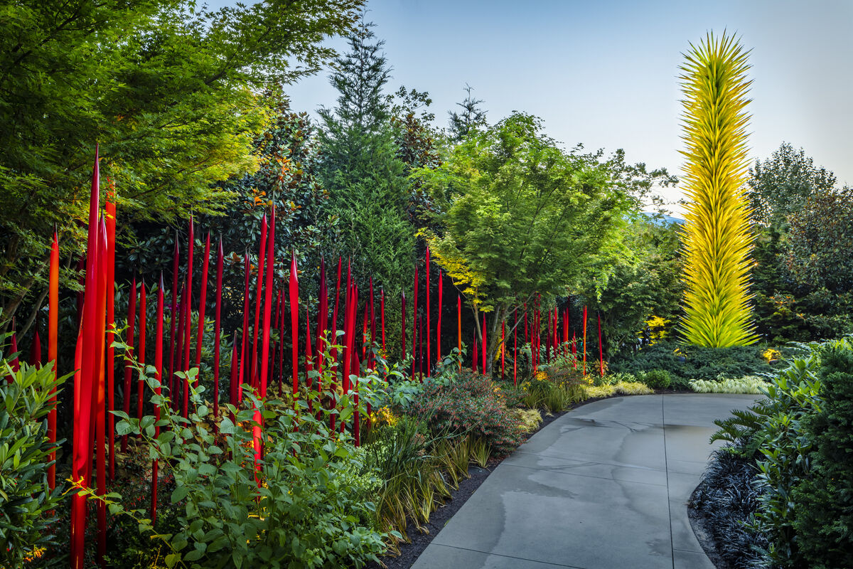 Dale Chihuly, Red Reeds and Citron Icicle Tower, 2012 at Chihuly Garden and Glass, Seattle. Photo by Nathalie Willson. © 2012 Chihuly Studio.