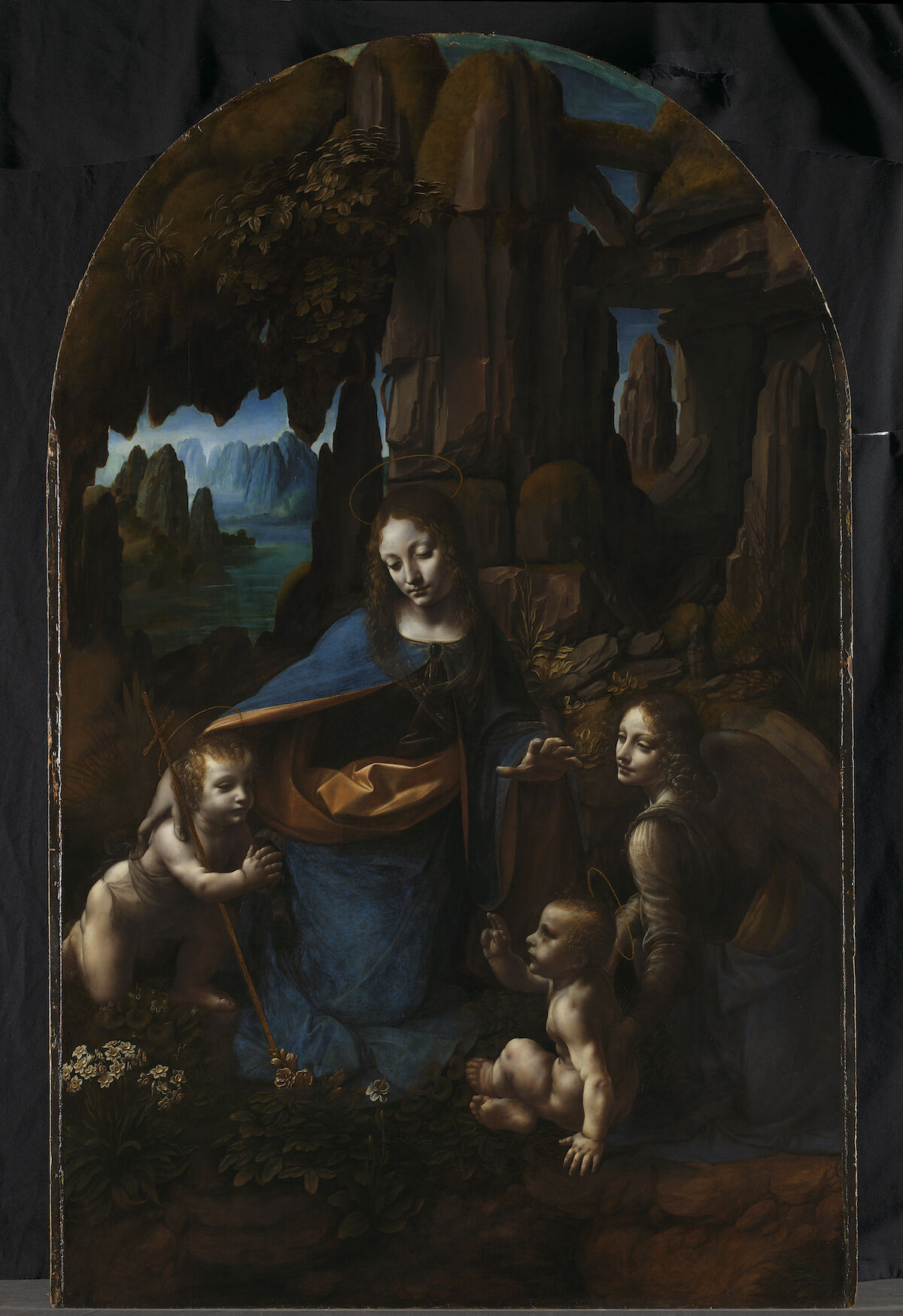 Leonardo da Vinci, The Virgin with the Infant Saint John the Baptist adoring the Christ Child accompanied by an Angel, or The Virgin of the Rocks, ca. 1491/2–9 and 1506–08. © The National Gallery, London.