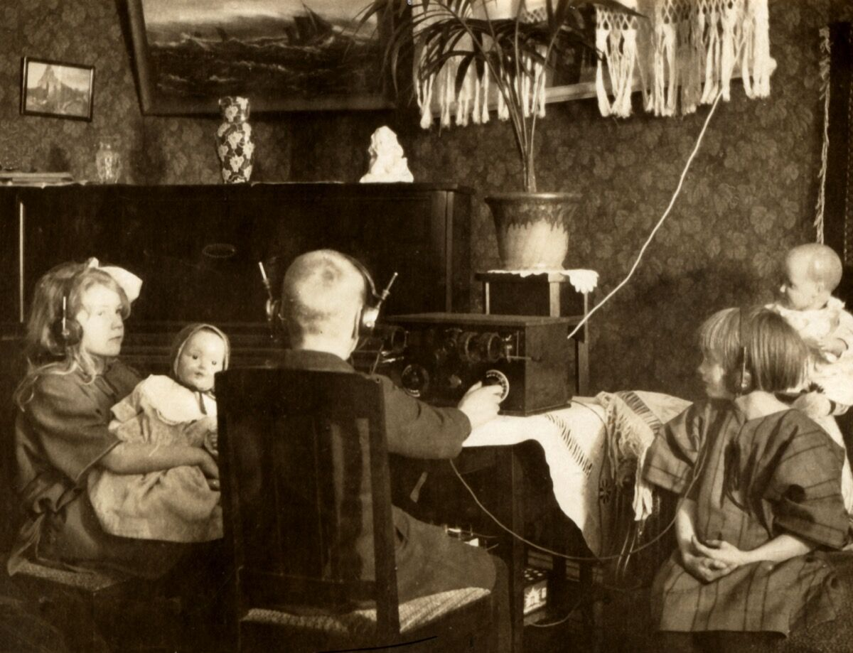Photo of 1925 Radio, by Britt-Marie Sohlström, via Flickr.
