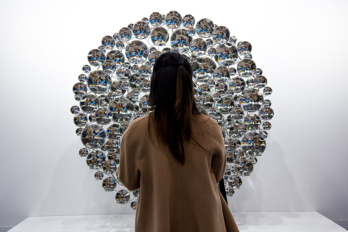 Installation view of neugerriemschneider's booth at Art Basel in Hong Kong, 2016. Courtesy of the fair.