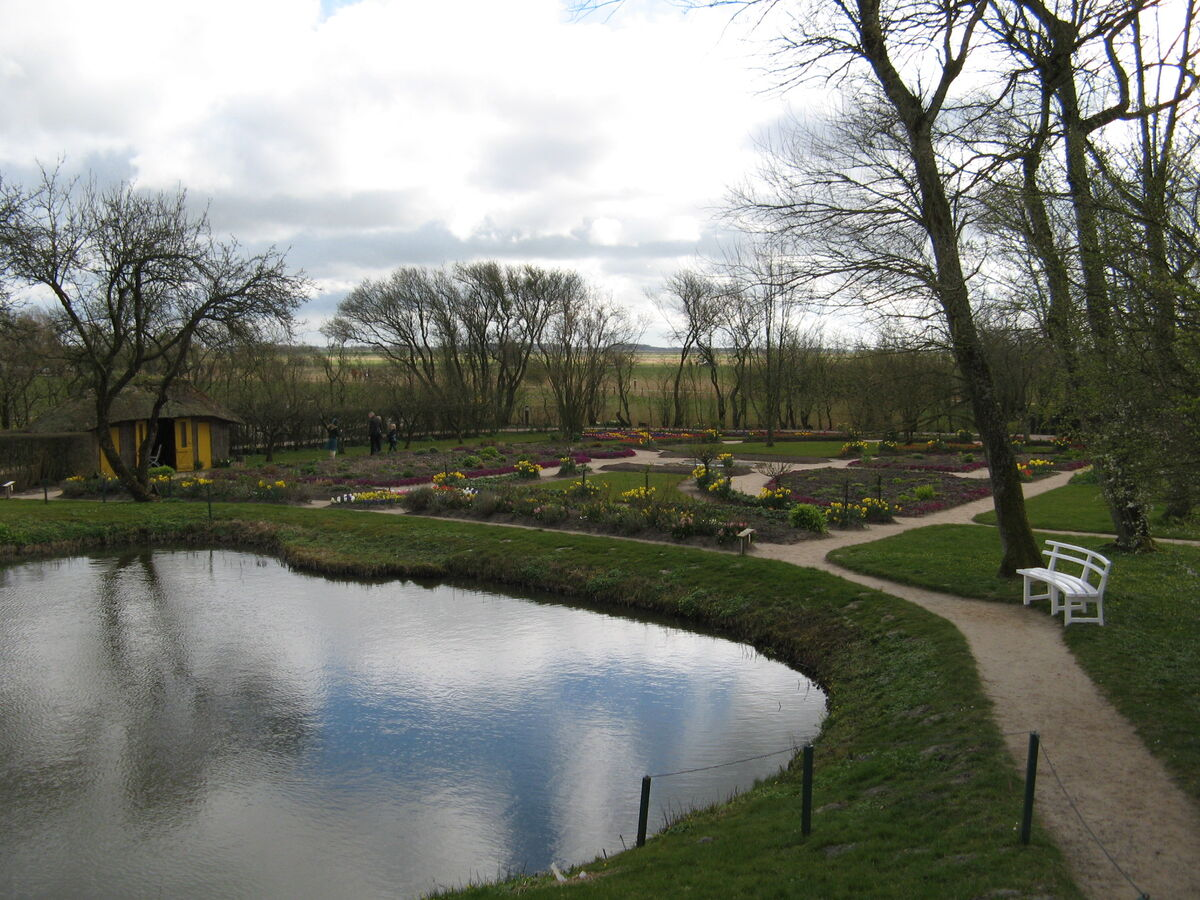 Emil Nolde's garden in Seebüll. Image courtesy of Wikimedia Commons.