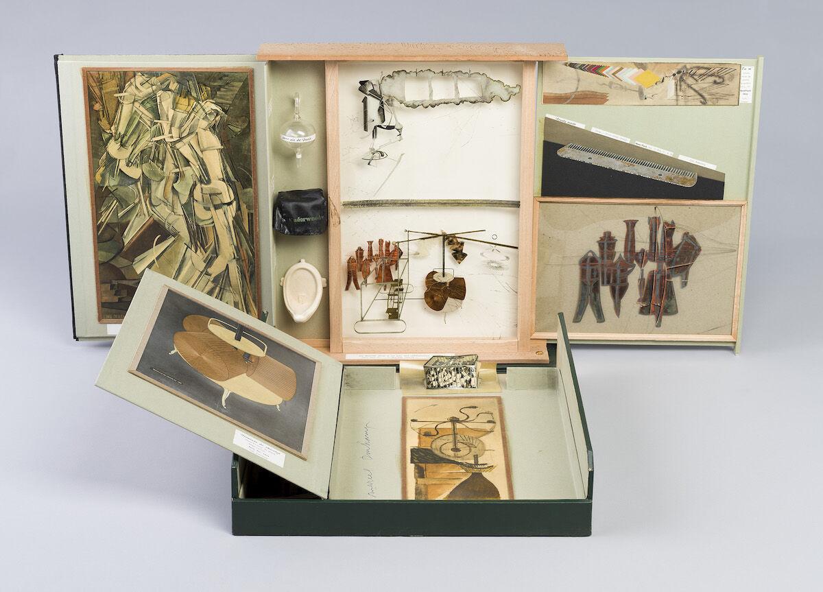Marcel Duchamp, The Box in a Valise/Boite en Valise (Series E) From or by Marcel Duchamp or Rrose Selavy, 1963, Cincinnati Art Museum, Photo by Duchamp / Bridgeman Images, courtesy Association Marcel Duchamp / ADAGP, Paris / Artists Rights Society (ARS), New York 2018.