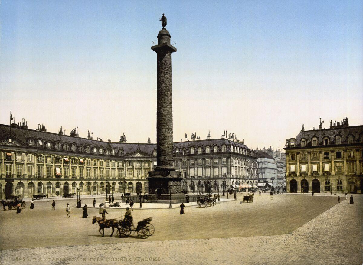 Image of Place Vendôme ca. 1800-1900 via Wikimedia Commons.