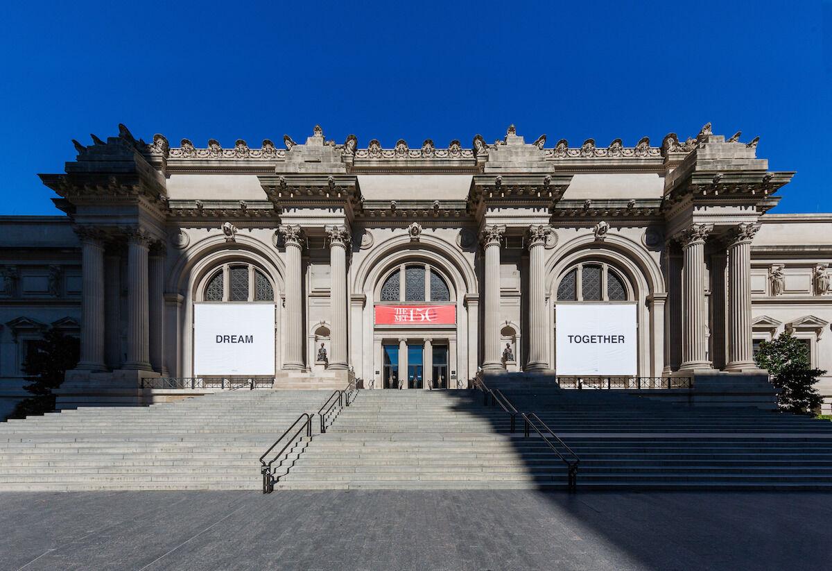 Yoko Ono, DREAM TOGETHER, 2020, installed at the Metropolitan Museum of Art. © Yoko Ono. Image courtesy the Metropolitan Museum of Art. Photo by Anna-Marie Kellen.