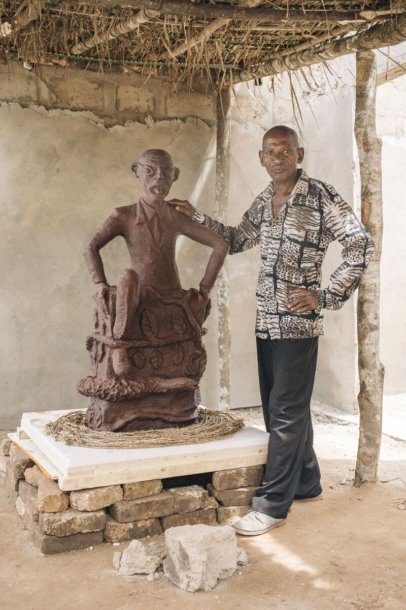 CATPC artist Jeremie Mabiala and The Art Collector. Photo © Thomas Nolf.Courtesy of LIRCAEI.