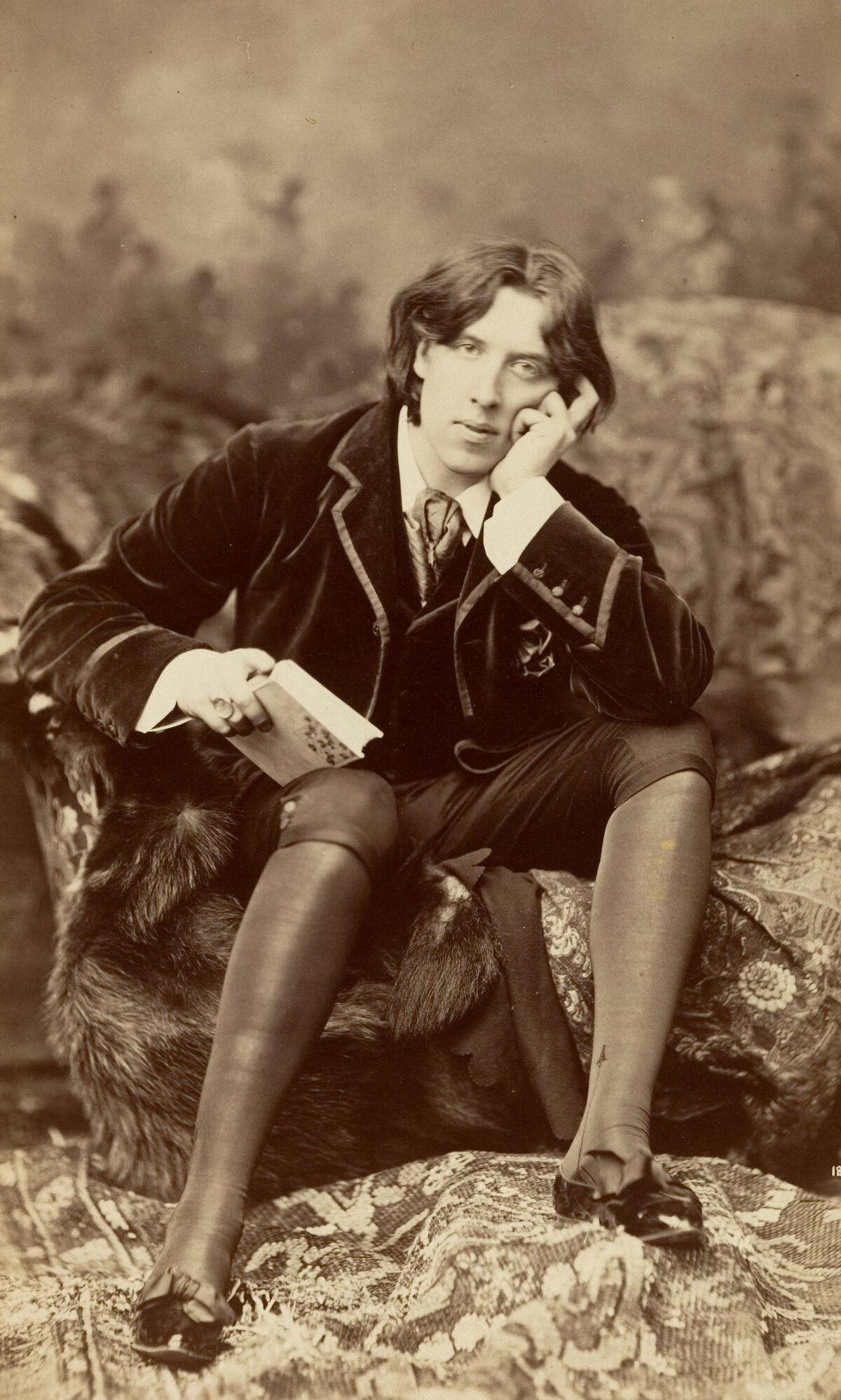 Napoleon Sarony, Oscar Wilde, 1882. Image via Wikimedia Commons.