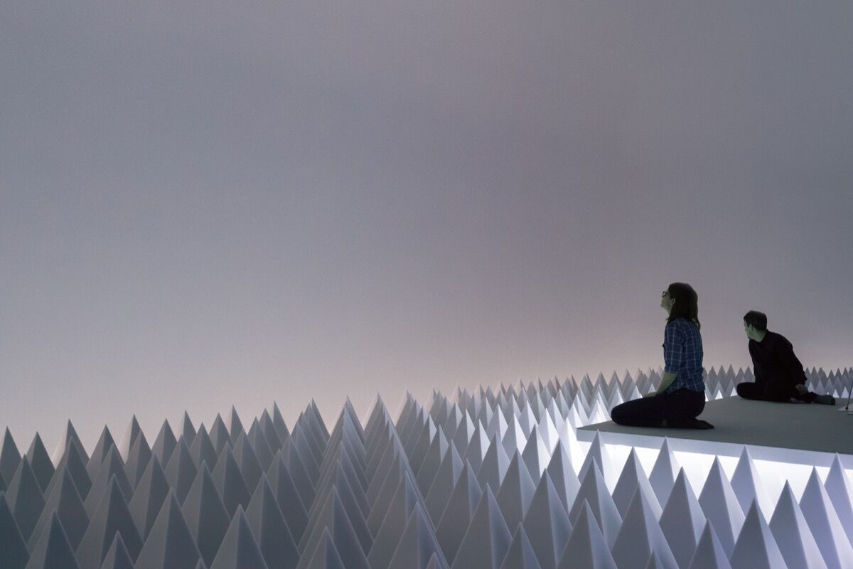 "Installation view of ""Doug Wheeler: PSAD Synthetic Desert III,"" Solomon R. Guggenheim Museum, New York, March 24-August 2, 2017. Photo by David Heald. © Solomon R. Guggenheim Foundation."