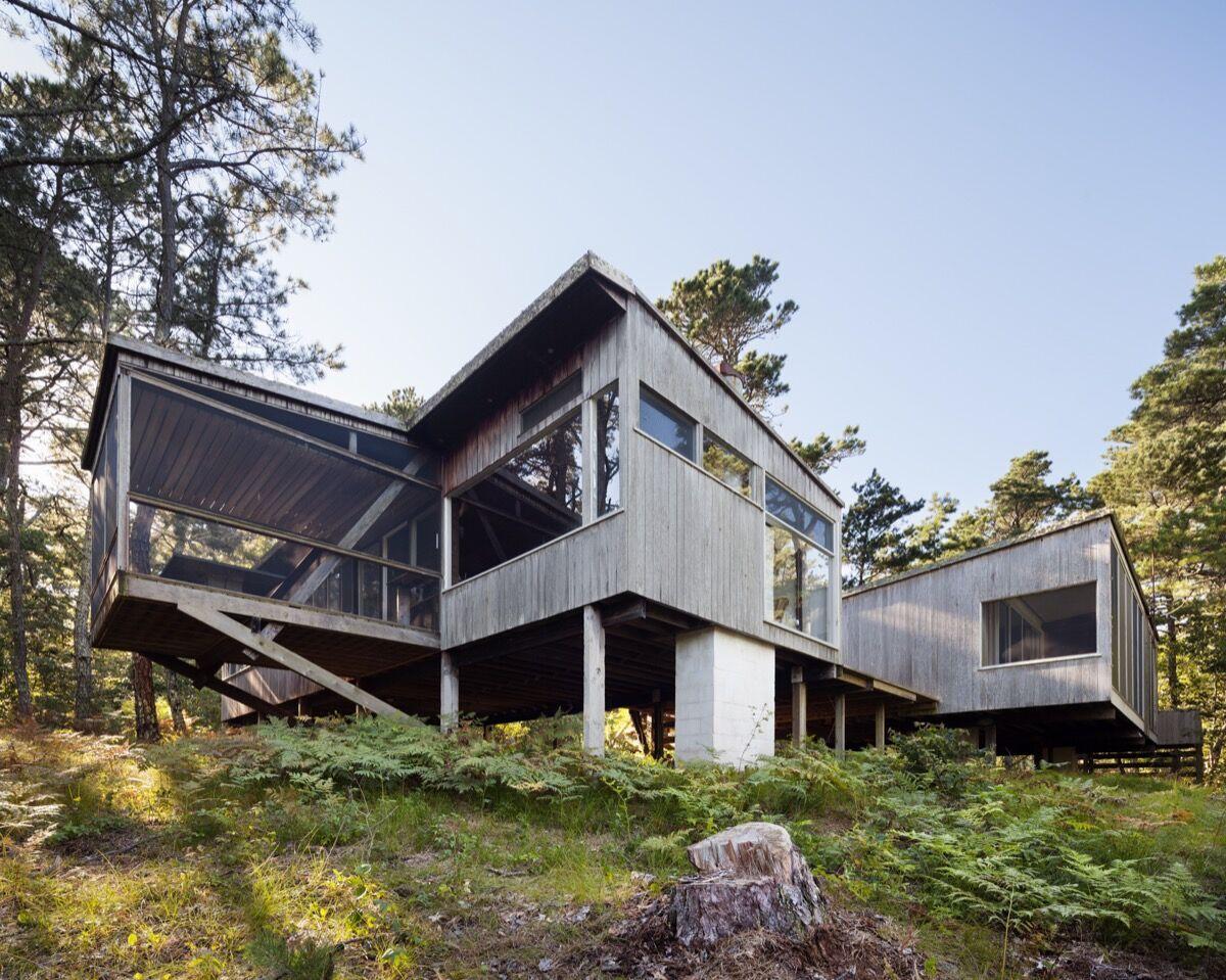 Photo of Breuer Cottage courtesy of Raimund Koch.