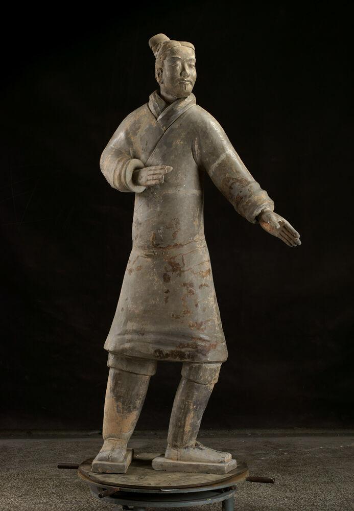 Standing Archer, dinastía Qin, 221-206 a.  Cortesía del Museo de Arte de Cincinnati.