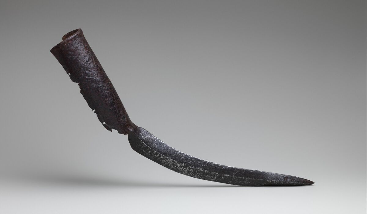 Elephant sword, 15th–17th century. Courtesy of The Metropolitan Museum of Art.