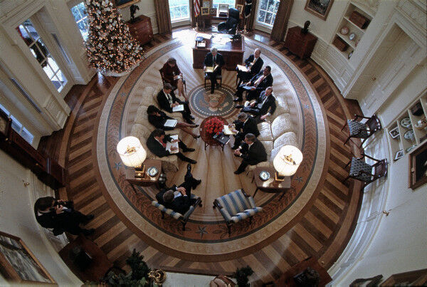 President George W. Bush Oval Office Meeting from Above, December 21, 2001. Photo by Paul Morse. Courtesy of George W. Bush Presidential Library and Museum/NAR.