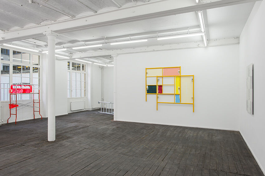 """Installation view ofEvan Robarts, """"Overtime,"""" courtesy ofJeanroch Dard"""