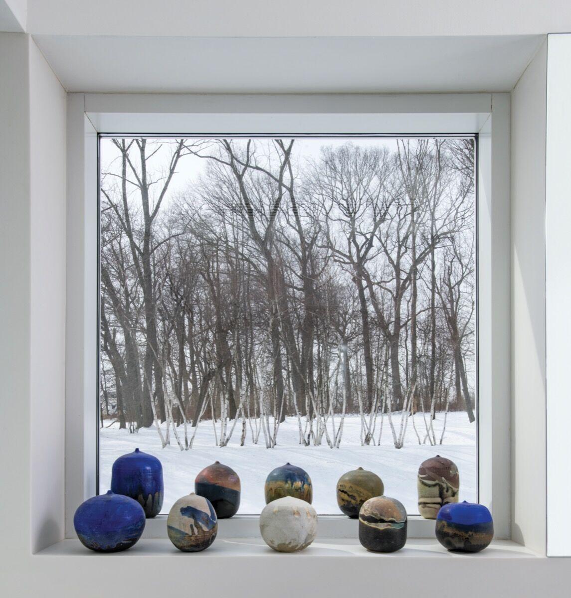 Installation view of works by Toshiko Takaezu. Photo by Tom Grotta. Courtesy of browngrotta arts.