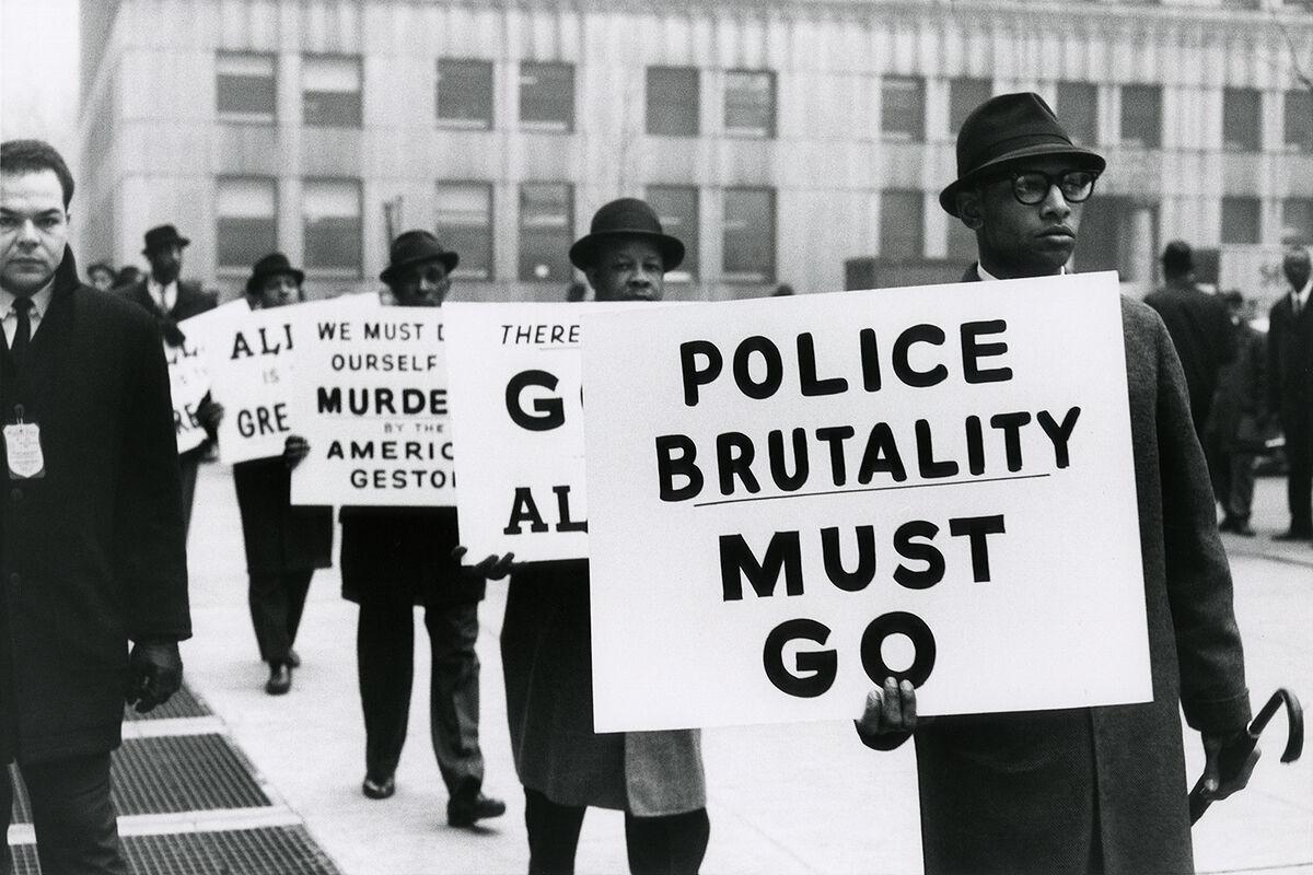 Gordon Parks, Untitled, New York, New York,  1963. Courtesy and © The Gordon Parks Foundation.