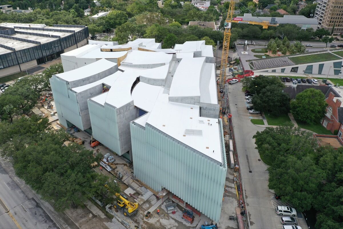 Aerial view of the Nancy and Rich Kinder Building. Photo © Richard Barnes.