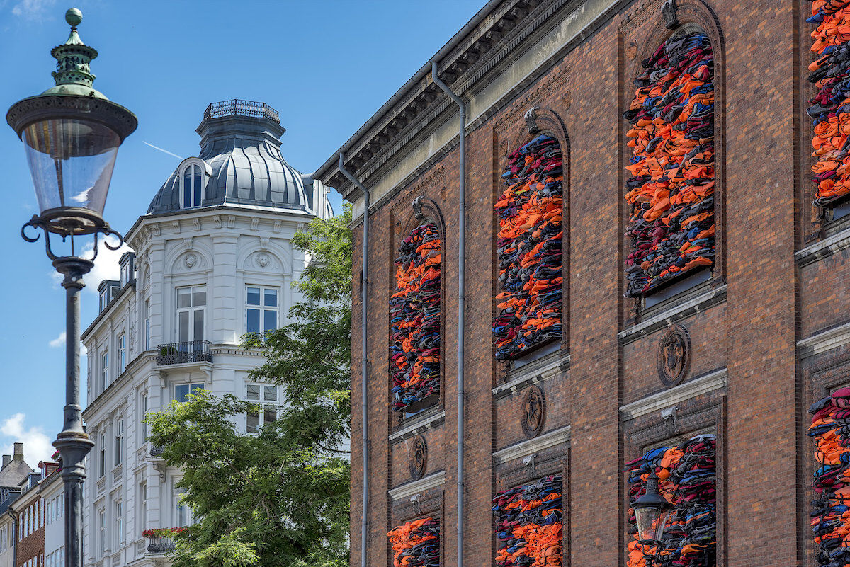 Ai Weiwei, Soleil Levant, 2017, on the exterior of the Kunsthal Charlottenborg. Photo by Al Case, via Flickr.