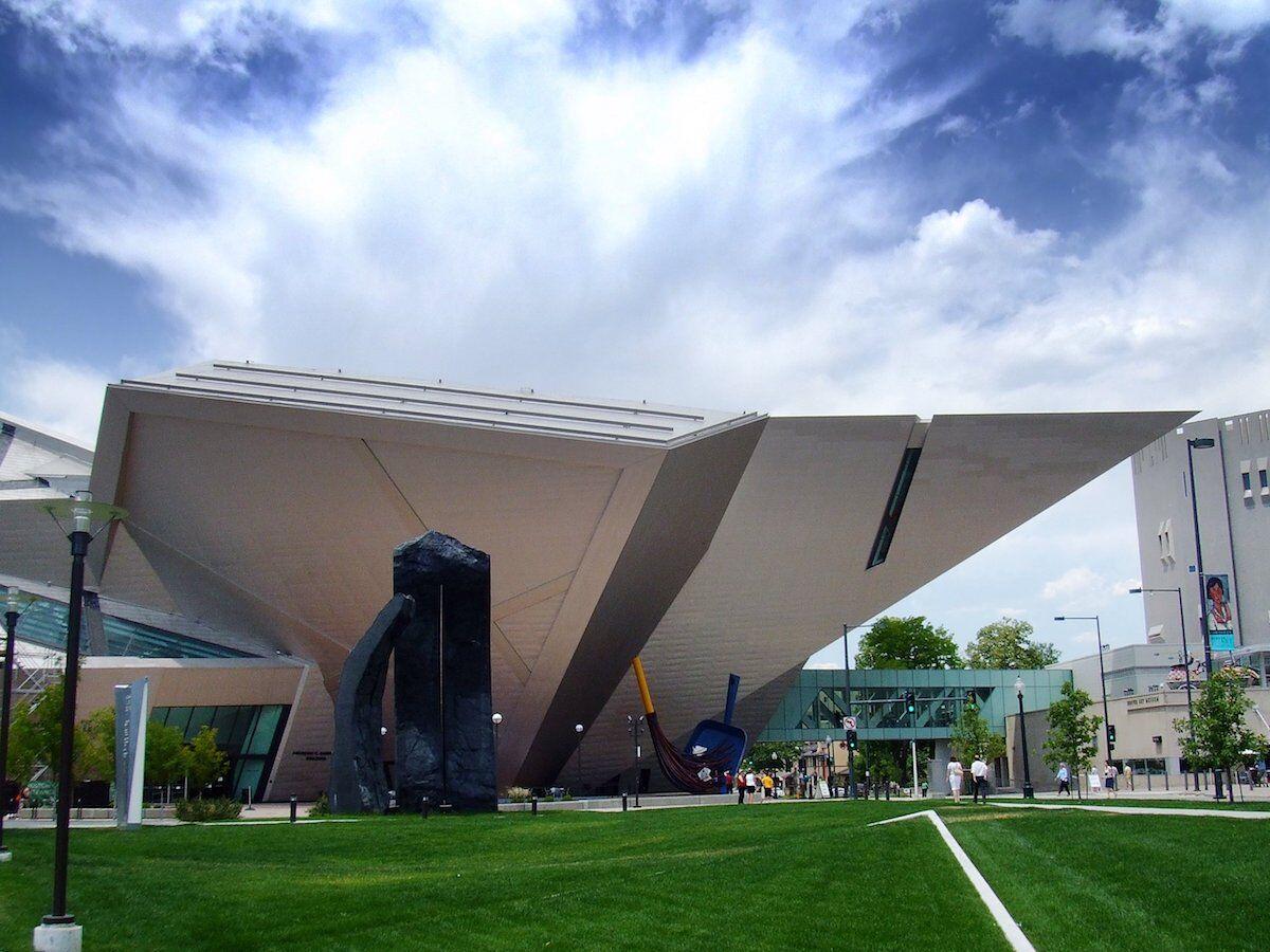 The Denver Art Museum. Photo by Ray Tsang, via Wikimedia Commons.