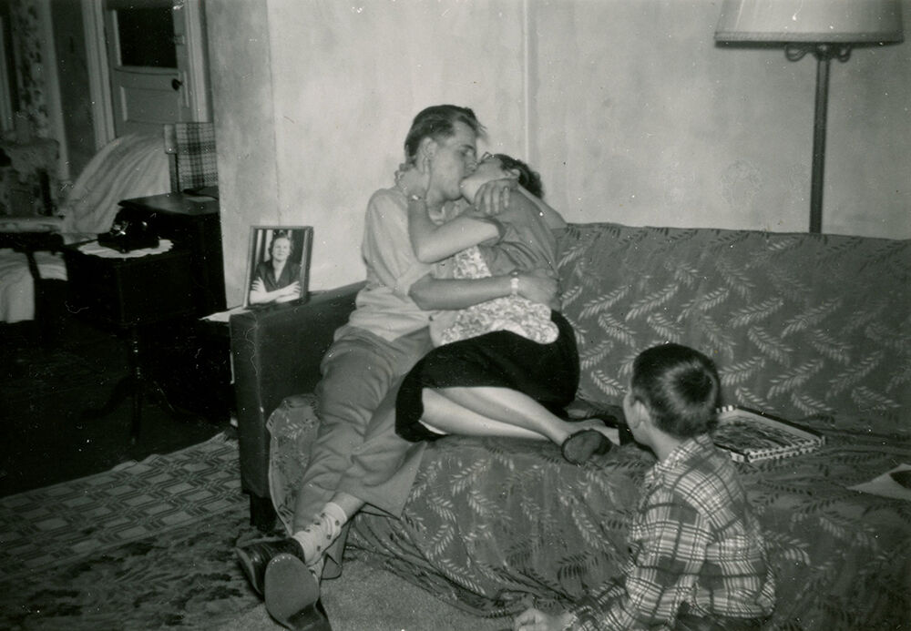 Snapshot, ca. 1950. Photographer unknown. Courtesy of the Collection of Barbara Levine / Project B.