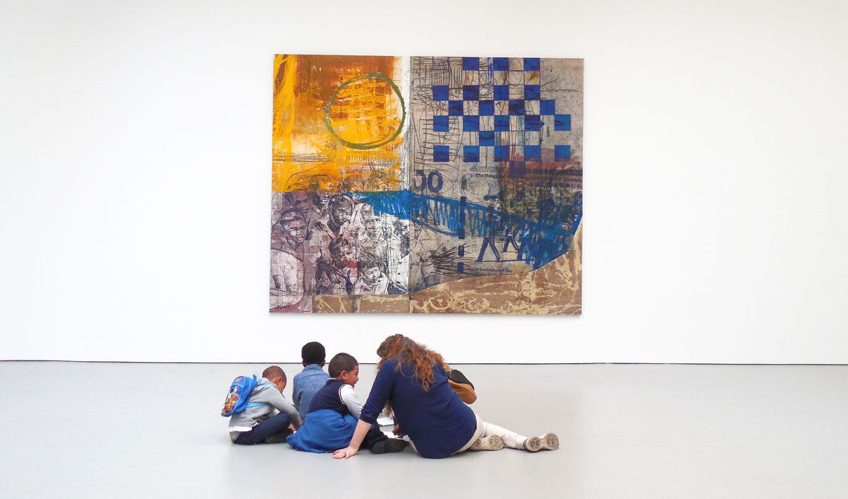 Time In students sketching before an Oscar Murillo painting at David Zwirner, New York. Photo by Casey Lesser.