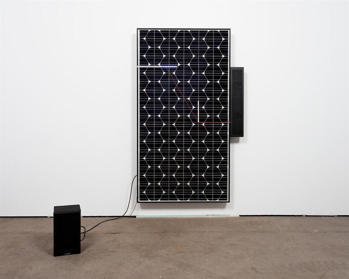 Haroon Mirza, Solar Symphony - Sunlight Infinato, 2014. Courtesy Lisson Gallery.