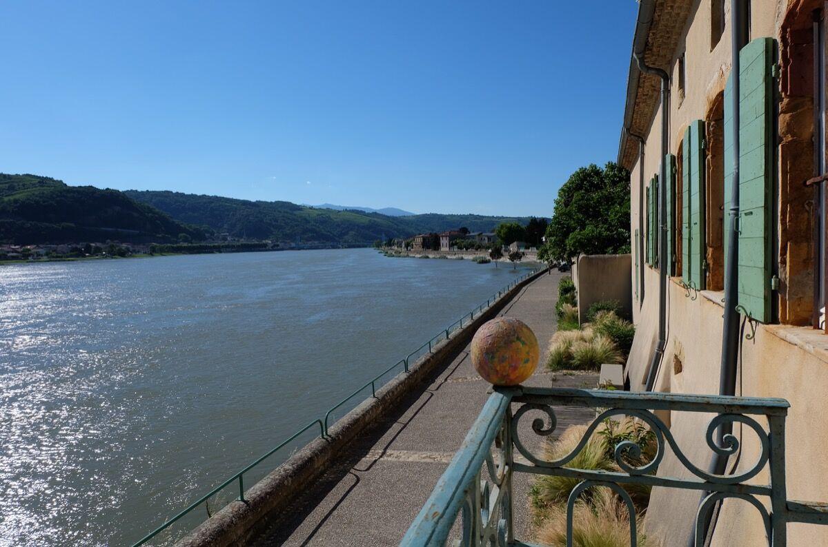 Moly-Sabata to the river Rhône. Courtesy of Moly-Sabata.