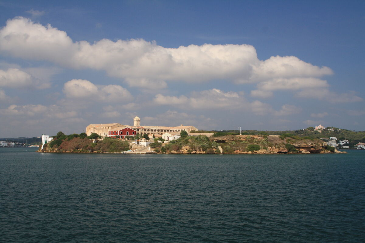 Illa del Rei, future location of Hauser & Wirth Menorca. Photo by Dreizung, via Wikimedia Commons.