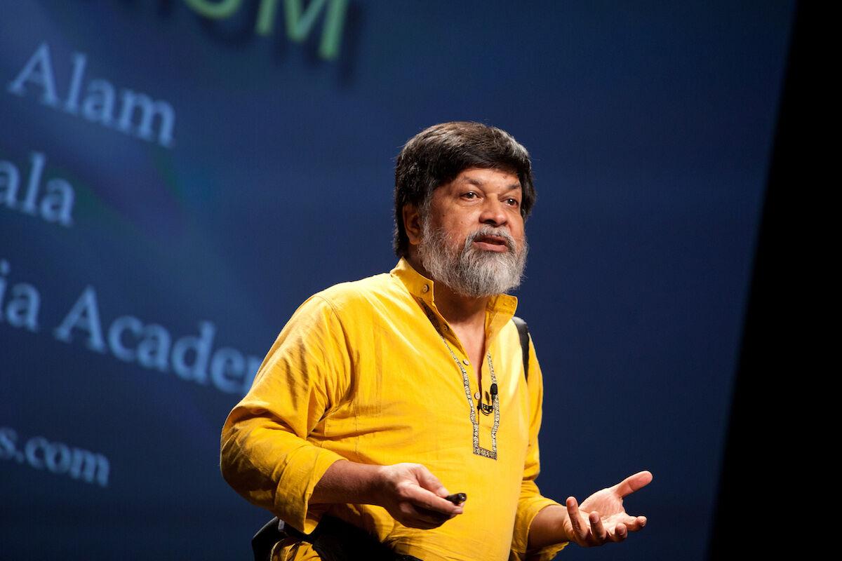Shahidul Alam ini 2011. Photo by Kris Krüg for PopTech, via Wikimedia Commons.