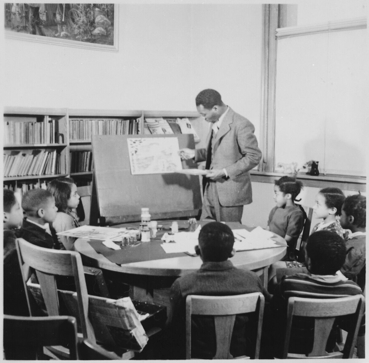 Jacob Lawrence demonstration at Lincoln School. Image via Wikimedia Commons.