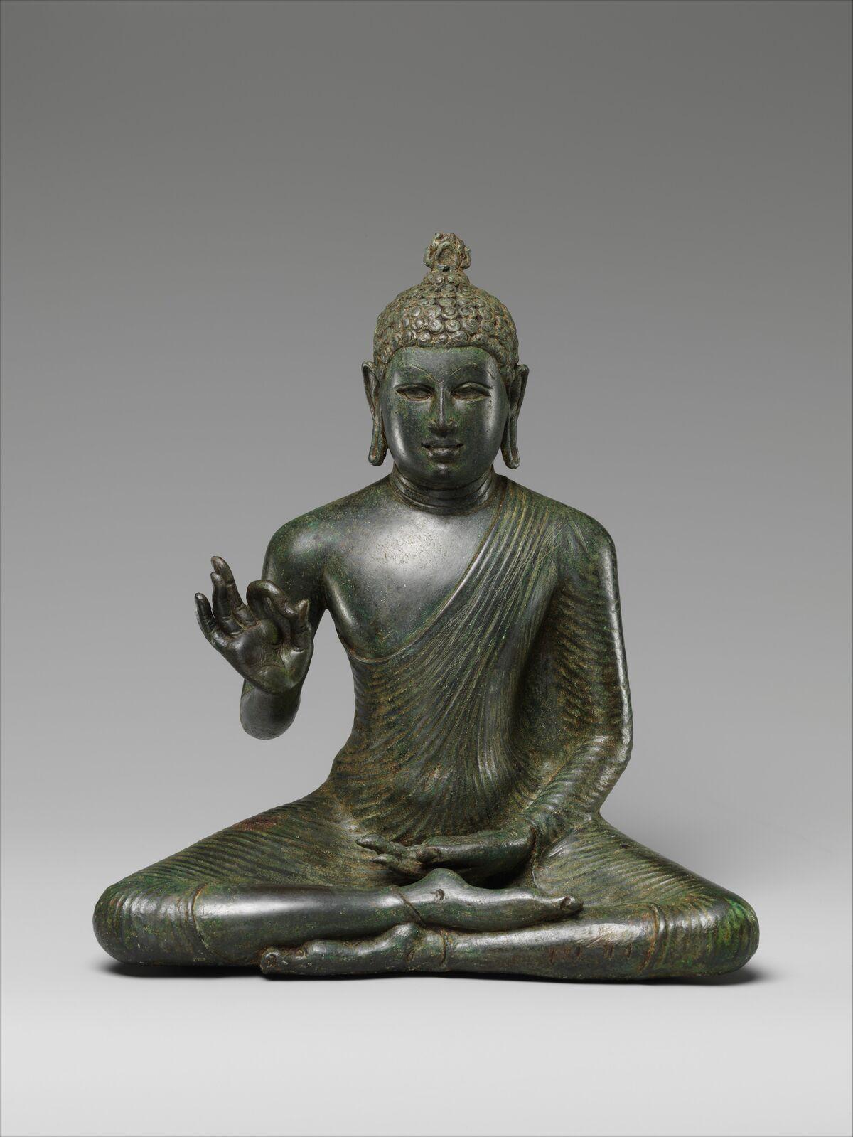 Buda que explica el Dharma, a finales del siglo VIII Sri Lanka (Anuradhapura).  Cortesía del Museo Metropolitano de Arte.