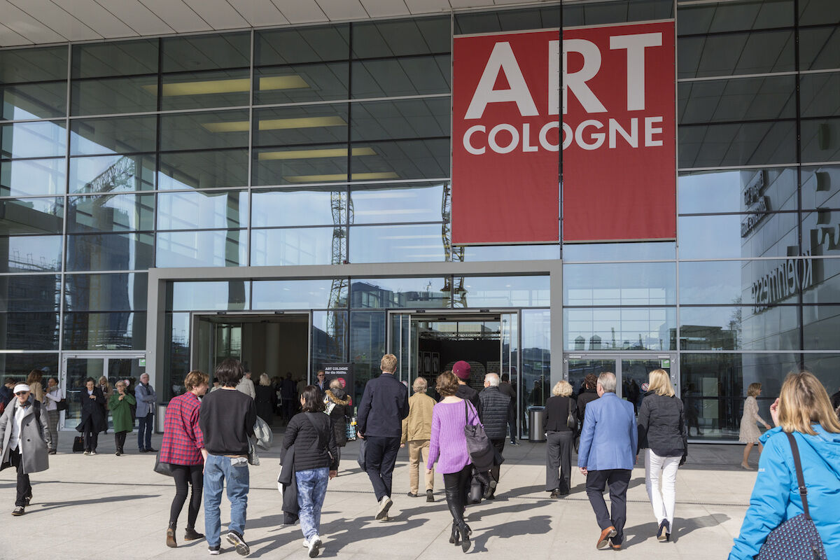 Visitors to the 2019 edition of Art Cologne. Photo courtesy Art Cologne.