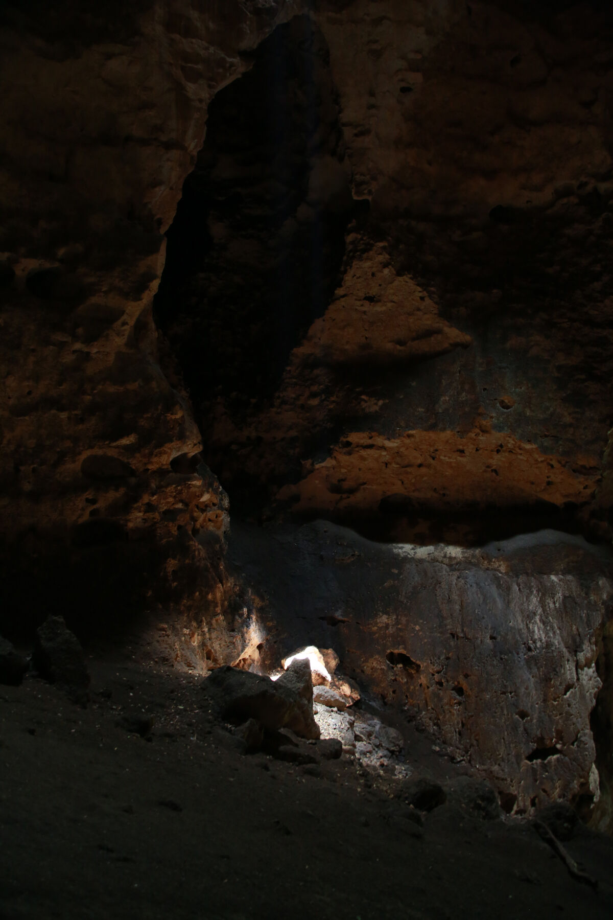 Allora & Calzadilla, Puerto Rican Light (Cueva Vientos), 2015. Guayanilla-Peñuelas, Puerto Rico. © Allora & Calzadilla. Photo by Myritza Castillo. Courtesy of Dia.