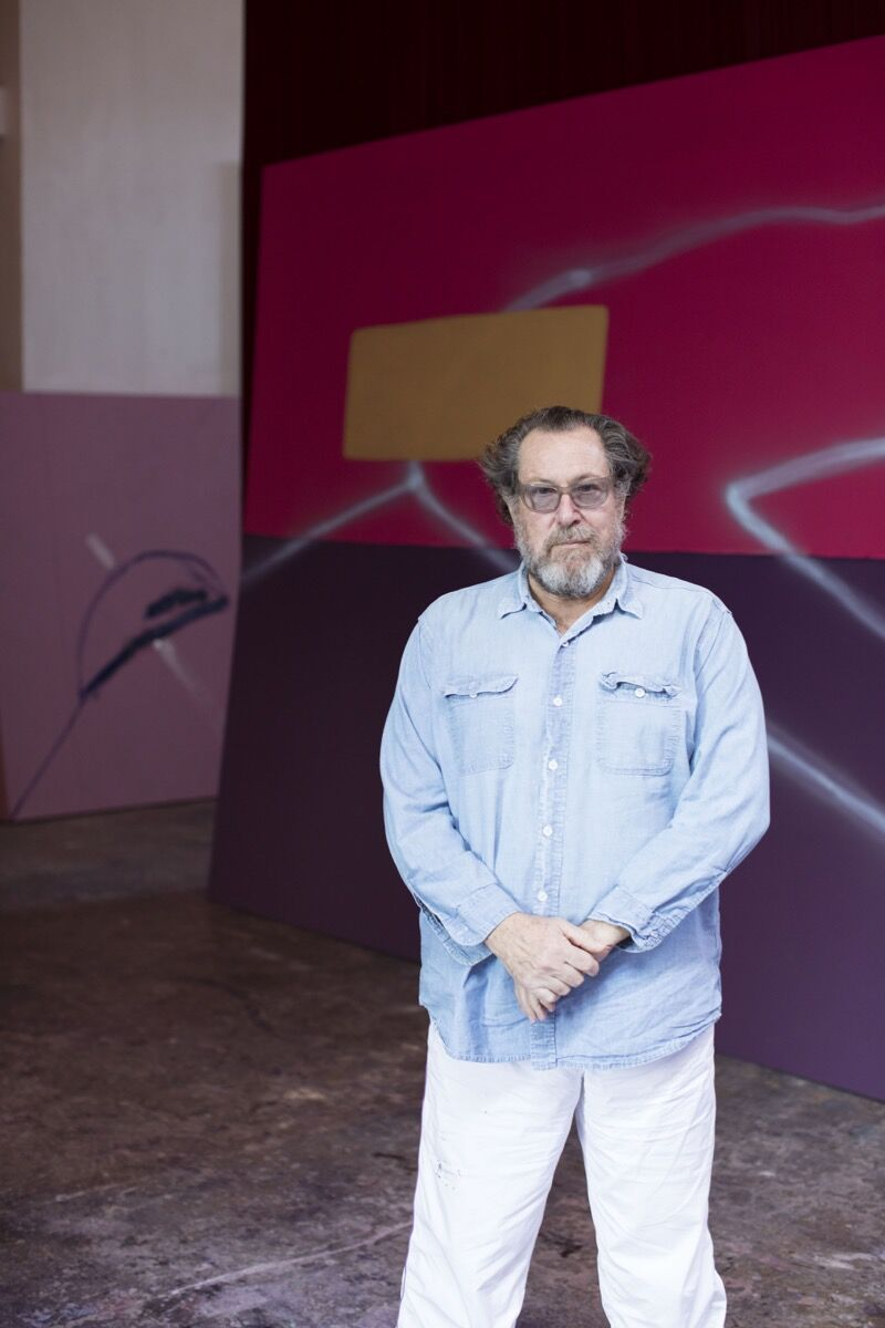 Julian Schnabel in his studio, 2017. Photo by Katharina Poblotzki. Courtesy of the Fine Arts Museums of San Francisco.
