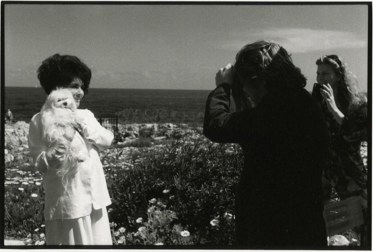 Jean Pigozzi, Elizabeth Taylor and Dave Stewart, 1993.Courtesy ofGalerie Gmurzynska.